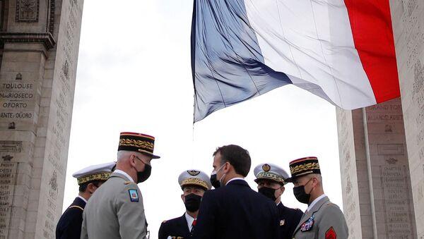 Emmanuel Macron- Fransa ordusu - Sputnik Türkiye