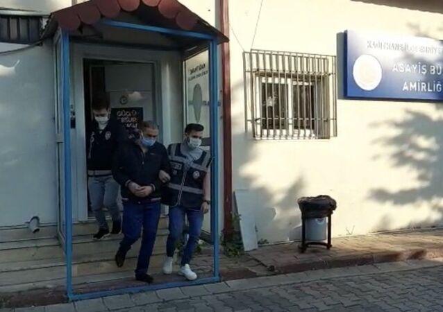 İstanbul'da sahte seyahat belgesi dolandırıcılığı yapan şahıs
