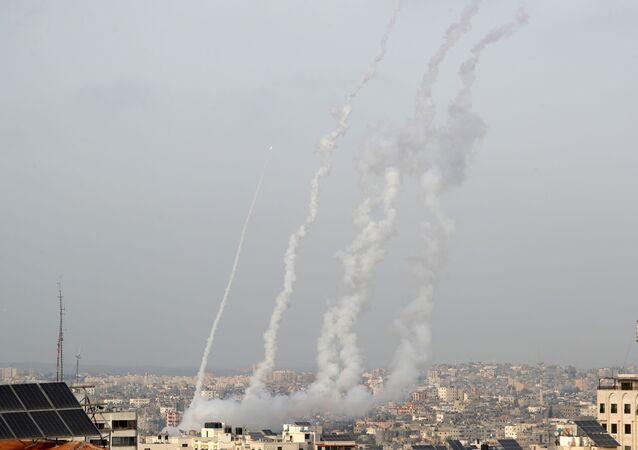 Hamas'ın ültimatomunun ardundan Gazze'den Batı Kudüs ve Beyt Şems'e atılan roketler