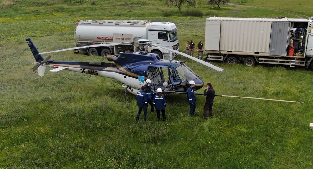 Yüksek gerilim hattında helikopterle 730 gün süren temizlik