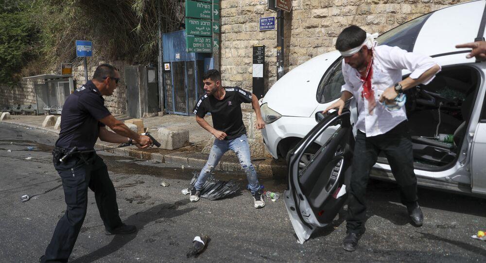 İşgal altındaki Doğu Kudüs, Şeyh Cerrah Mahallesi'nde yaşayan Filistinlilere zorunlu göç tehdidi nedeniyle gergin günlere sahne oluyor