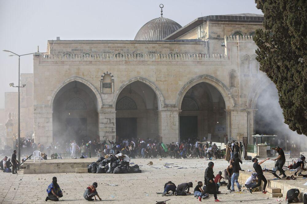 Filistinliler ile İsrail polisi arasında şiddetli çatışmaların yaşandığı Doğu Kudüs'ten bir kare