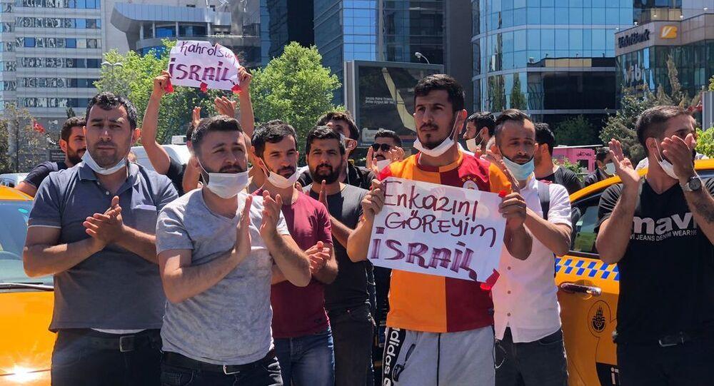 Taksicilerden konsolosluk önünde İsrail protestosu