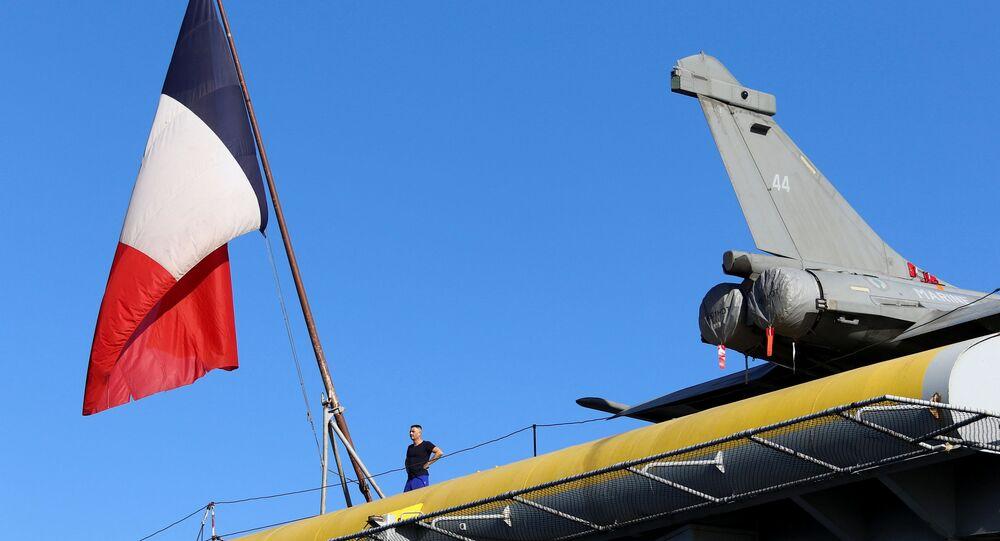 Fransız uçak gemisi, Rum kesiminin Limasol Limanı'na demirledi