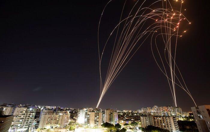 İsrail'in hava savunma sistemi Gazze Şeridi'nden İsrail'e fırlatılan roketleri durdurdu