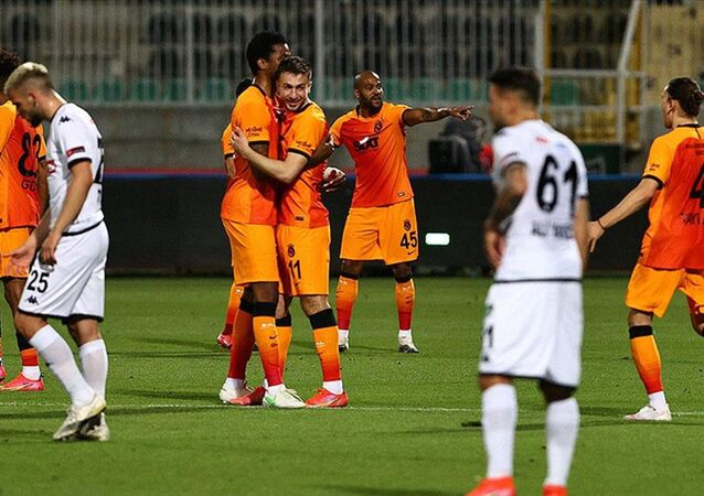 Beşiktaş ve Fenerbahçe kaybedince Galatasaray zirveye ortak oldu