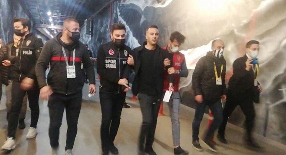 Beşiktaş oyuncusu Ghezzal'ın menajeri Hakan Korkmaz, maçın ardından gözaltına alındı