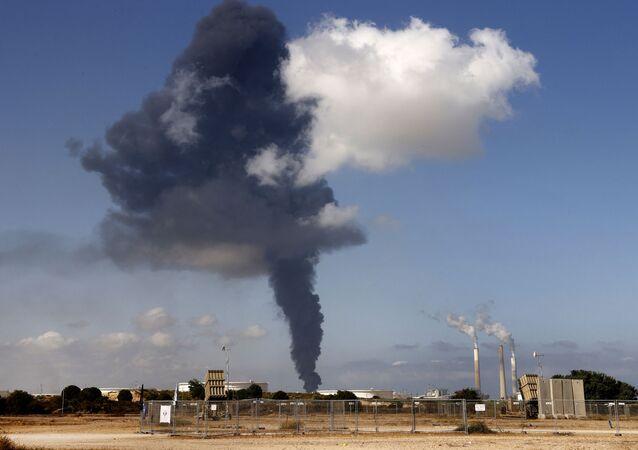 İzzeddin Kassam Tugayları, İsrail'in Dimona ve Aşdod kentleri ile gaz platformunu roketlerle hedef aldı.