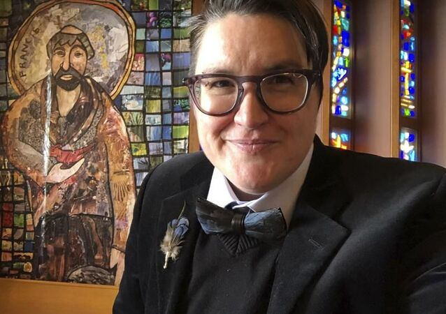 İlk trans piskopos Megan Rohrer