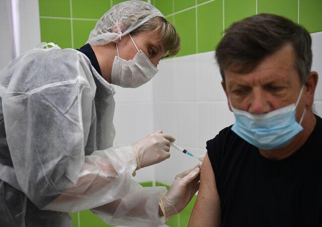 Koronavirüs aşısı, Rusya