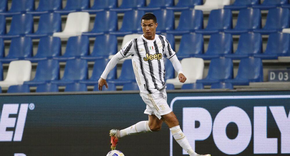Cristiano Ronaldo, Juventus'ta 131. maçında 100. golünü attı. Ronaldo, 3 farklı takım ve milli takımda 100 gol atan ilk futbolcu olarak tarihe geçti.
