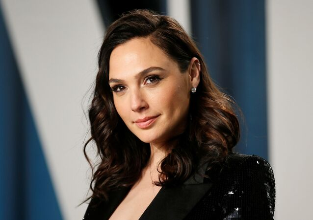 'Wonder Woman' Gal Gadot, 2020'de Vanity Fair'in Oscar partisinde