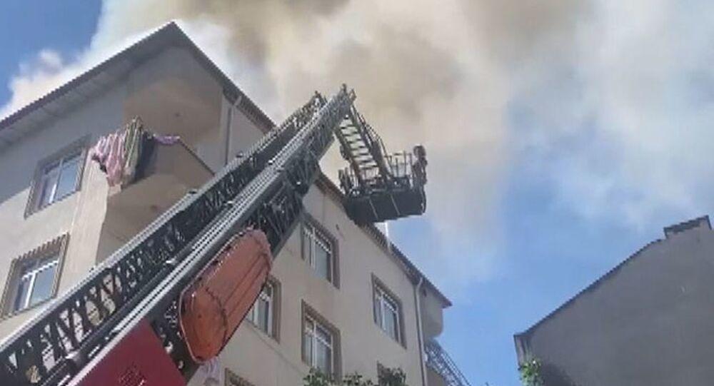 İstanbul Pendik'te yangın