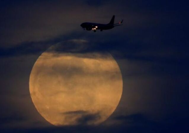 uçak-Ay