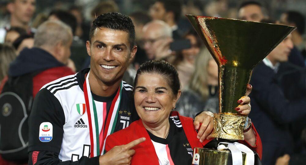 Cristiano Ronaldo - Dolores Aveiro