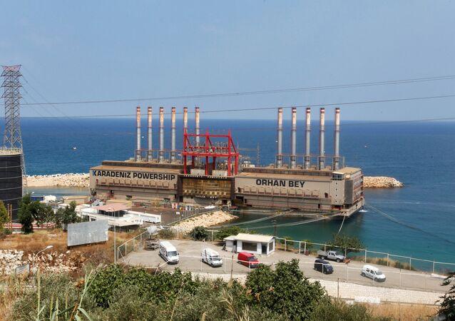 Lübnan başkenti Beyrut'un 23 km güneyindeki Jıyeh santraline bağlanarak enerji üreten Karadeniz Powership Orhan Bey yüzer santrali