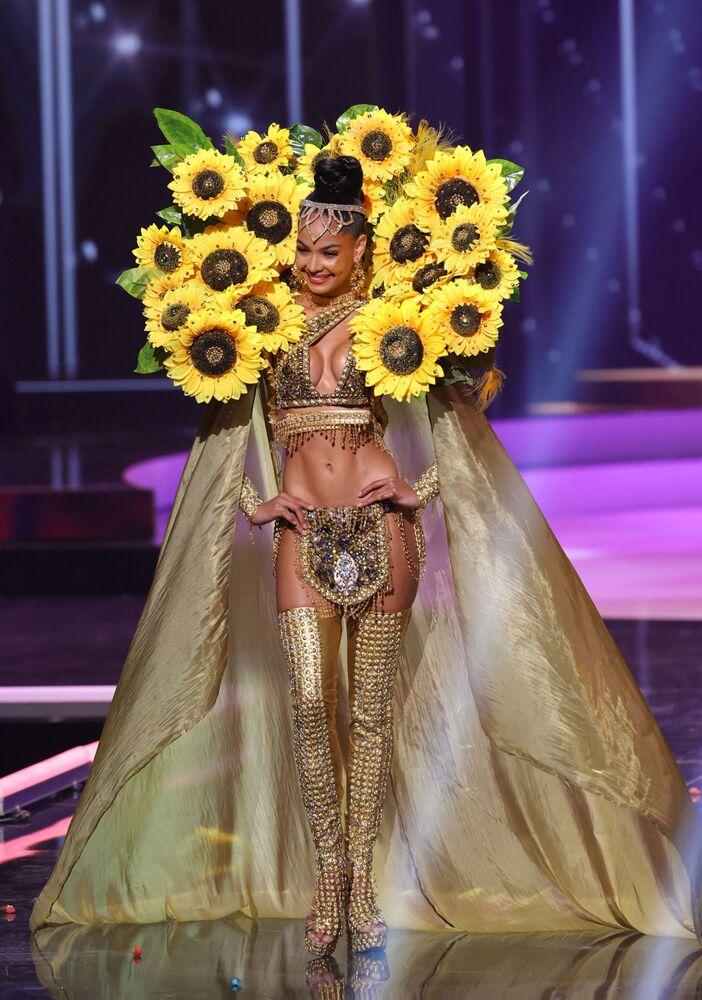 Dominik Cumhuriyeti güzeli Kimberly Jimenez