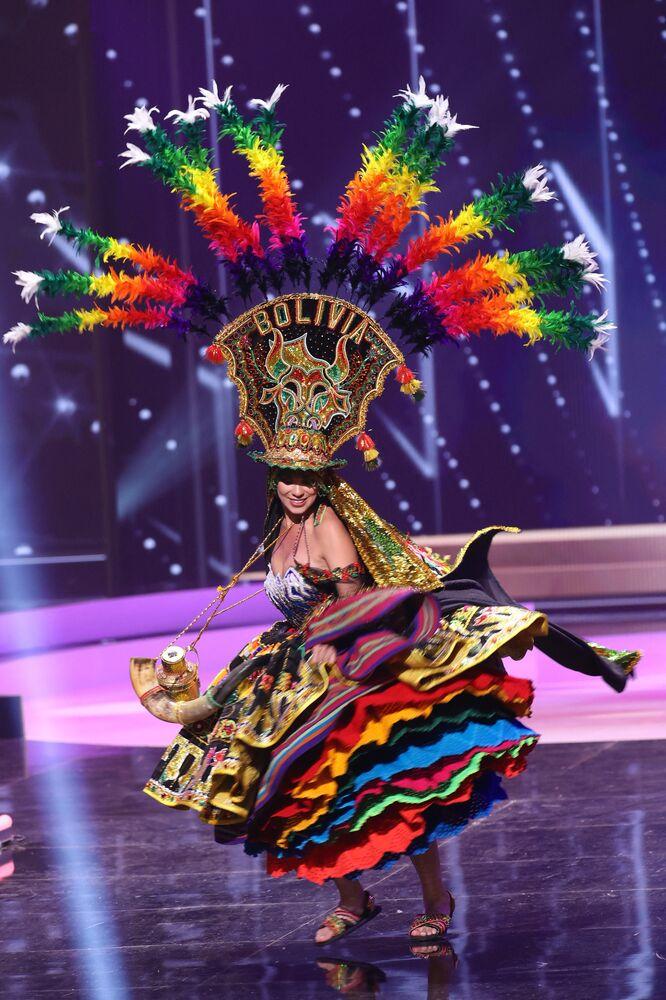 Bolivya güzeli Lenka Nemer