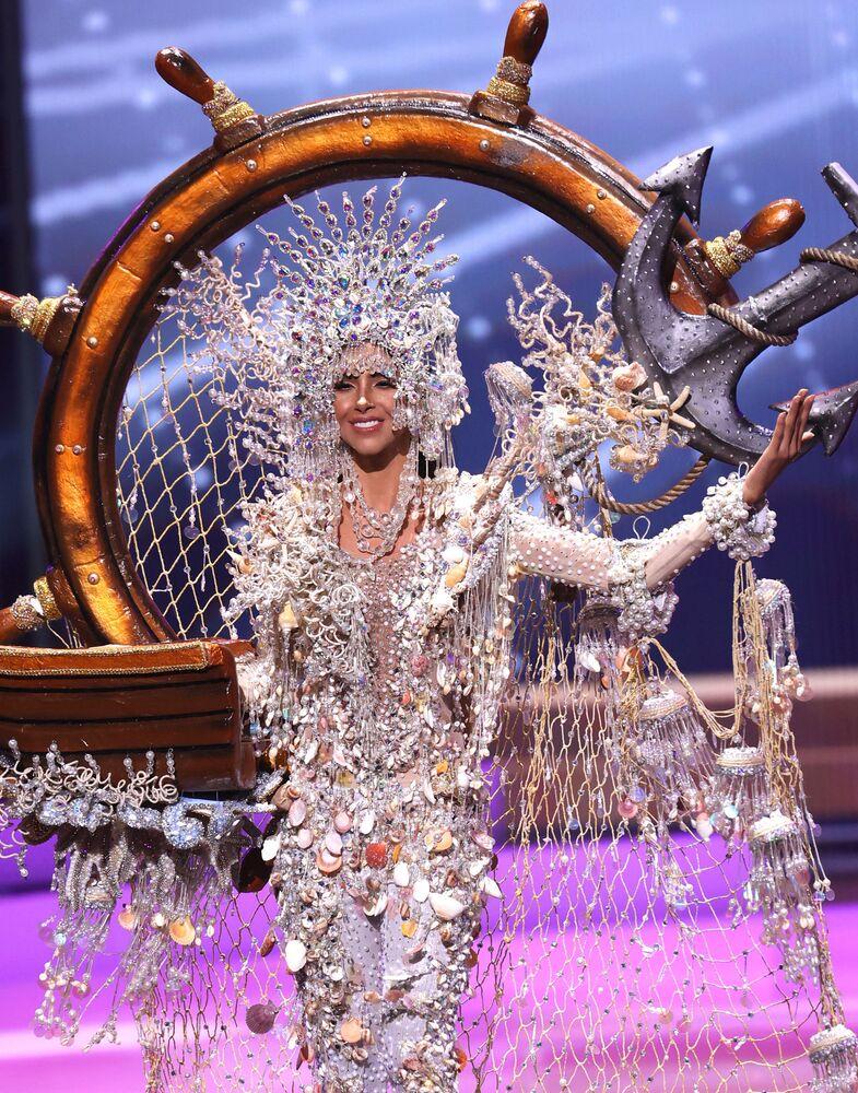 Panama güzeli Carmen Jaramillo