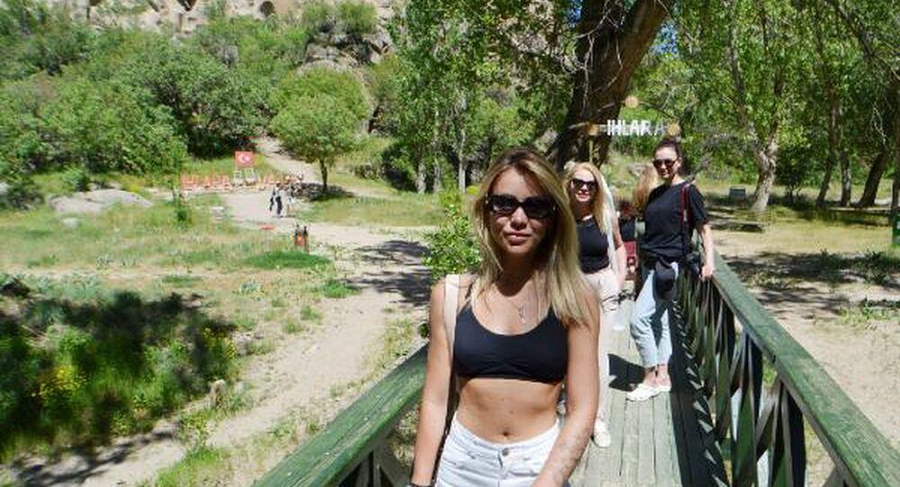 Ihlara Vadisi ve turistler
