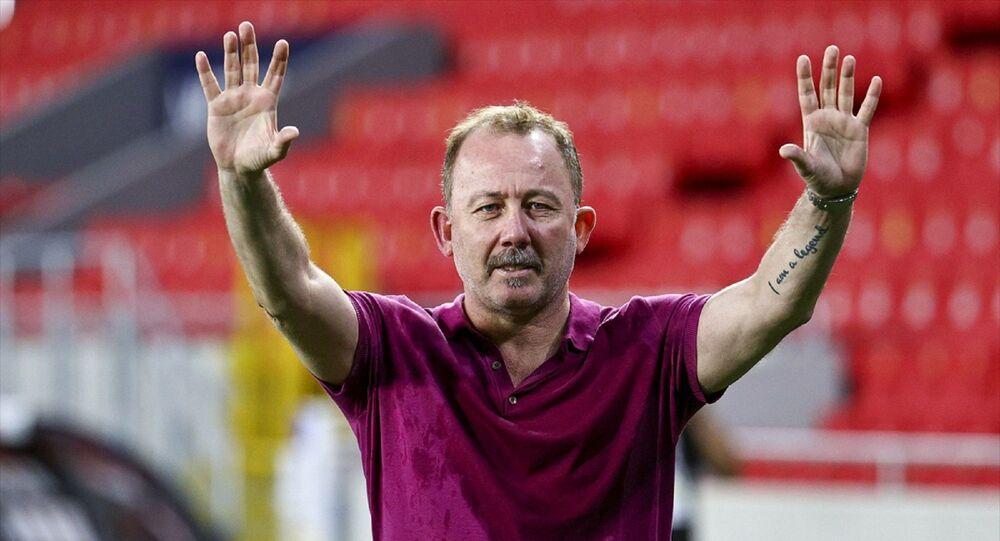 Beşiktaş Teknik Direktörü Sergen Yalçın, büyük sevinç yaşadı.