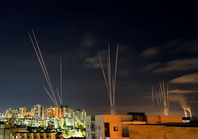 Gazze Şeridi'nden İsrail topraklarına roket fırlatıldı