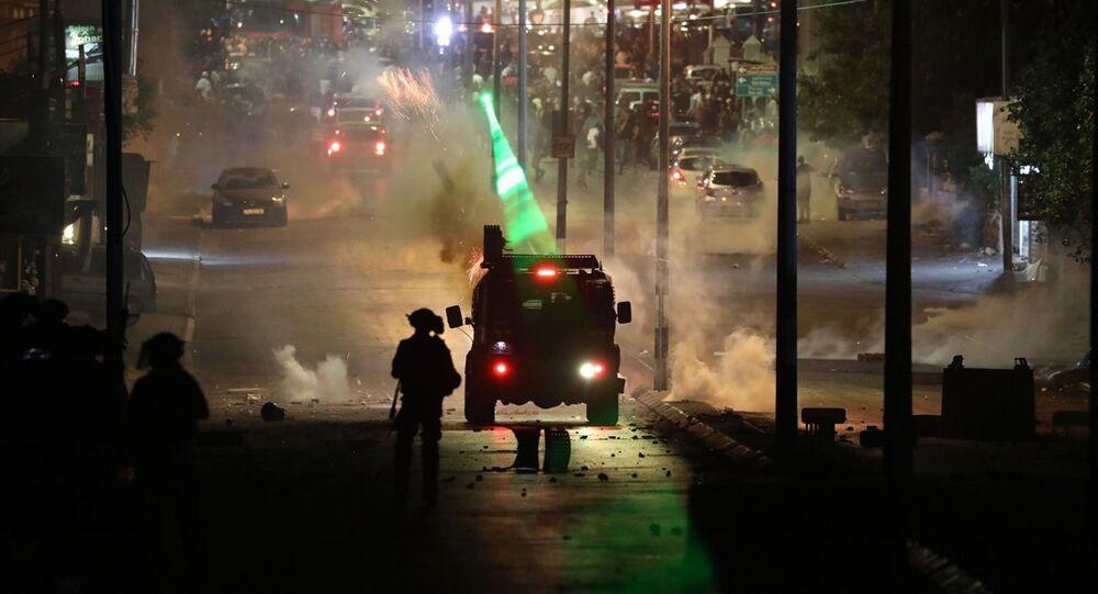 Nekbe'nin 73. yılı ve İsrail'in abluka altındaki Gazze Şeridi'ne yönelik saldırılarına tepki amacıyla Batı Şeria'nın Beytüllahim kentinde toplanan Filistinliler, gösteri düzenlendi.