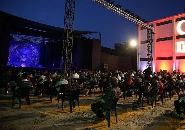 Devlet Tiyatroları-açık hava