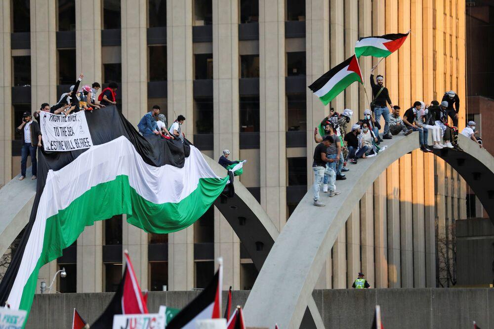 Kanada'nın Toronto kentinde düzenlenen Filistin'e destek gösterisi