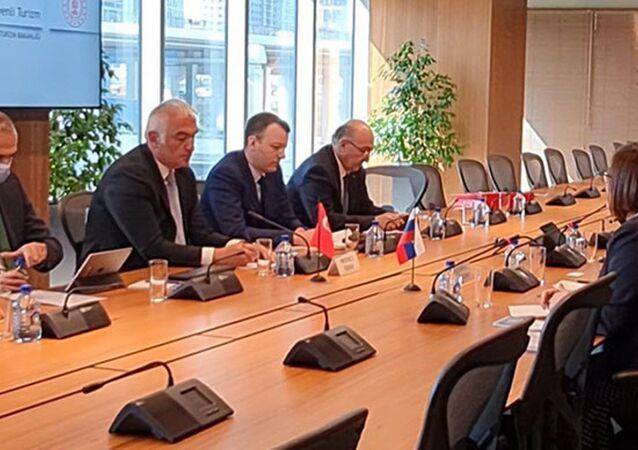 Sözcü Kalın ve Bakan Ersoy, Moskova'da Rus heyetle görüştü