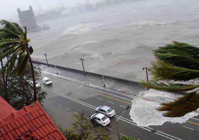 Hindistan- Kasırga
