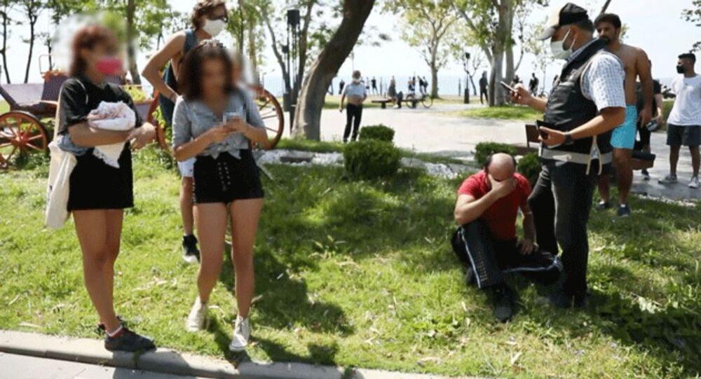 Genç kızları cep telefonuyla görüntüleyen Mustafa A.-Konyaaltı Sahili