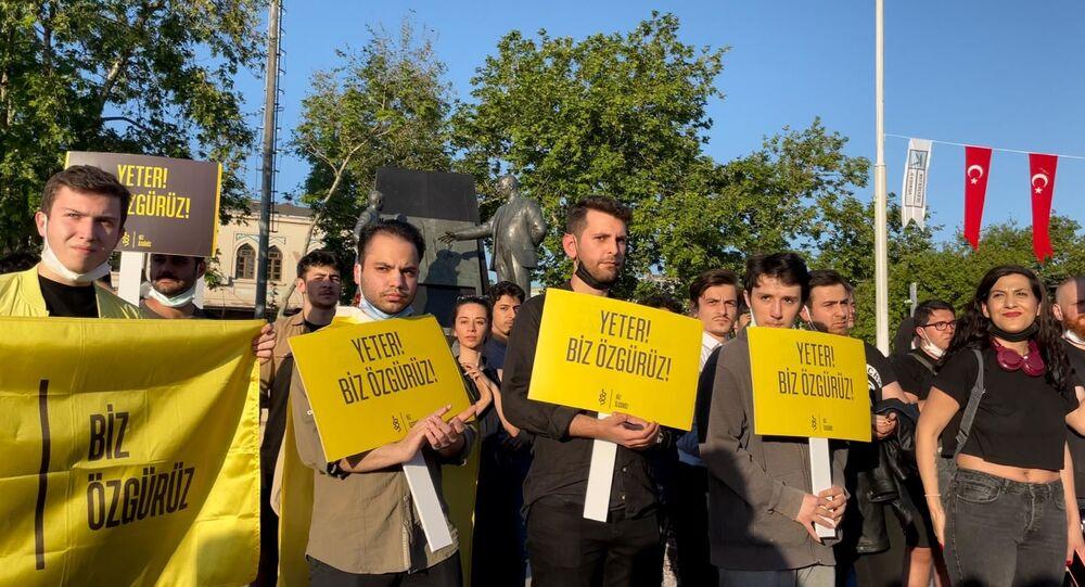 İstanbul'da 'hayat eve sığmıyor' protestosu