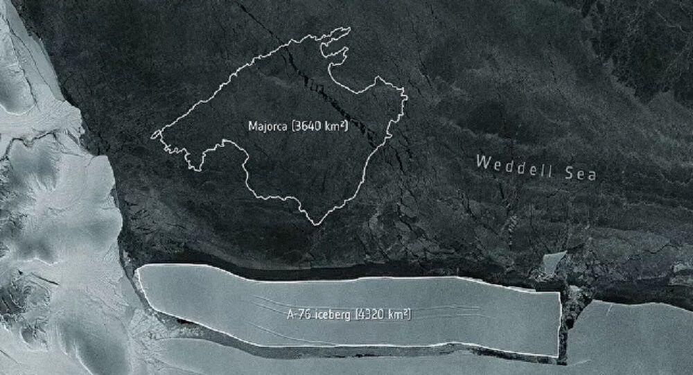 Antarktika'dan dünyanın en büyük buzdağı koptu