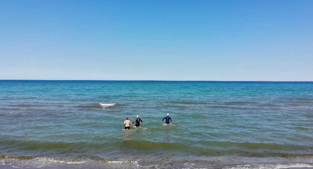 Yüzücüler Menderes Eskiçırak-Orhan Ayan-Erhan Turan