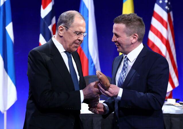 Rusya Dışişleri Bakanı Sergey Lavrov, Arktik Konsey Bakanlar Toplantısı için gittiği İzlanda'nın Reykjavik kentinde ev sahibi mevkidaşı Gudlaugur Thordarson'la görüştü.