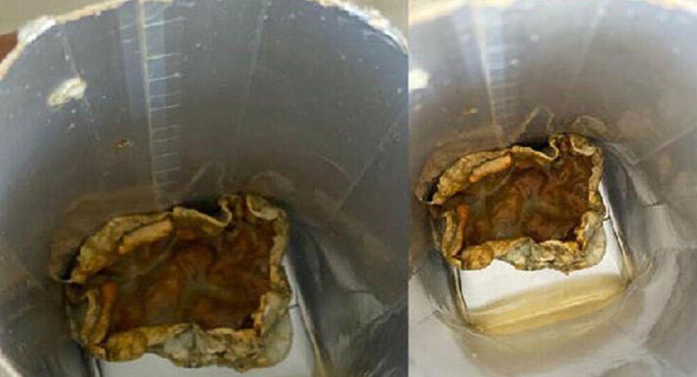 Bakan Ersoy'un eşi meyve suyu paketinden çıkan 'küf' görüntüleri
