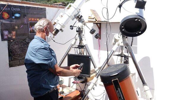 Uzay merakı için 20 bin dolar harcayıp, mini gözlemevi kurdu - Sputnik Türkiye