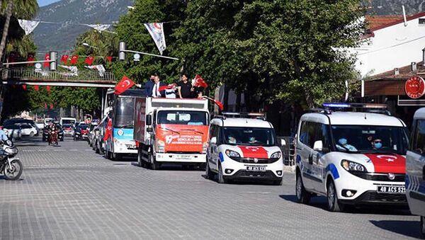Fethiye Belediye Başkanı'ndan 'bayrak dağıtma' açıklaması - Sputnik Türkiye