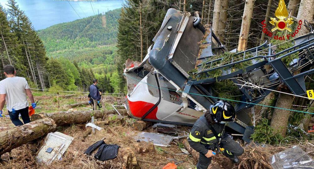 İtalya'nın Piedmont bölgesindeki meydana gelen teleferik kazasında yaralı kurtulan iki çocuktan biri olan 9 yaşındaki çocuğun hayatını kaybetmesi ile can kaybı 14'e yükseldi.