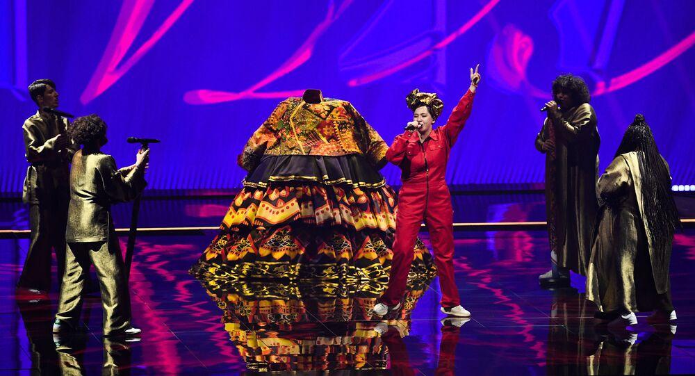 Rusya Eurovision performansı- Manija