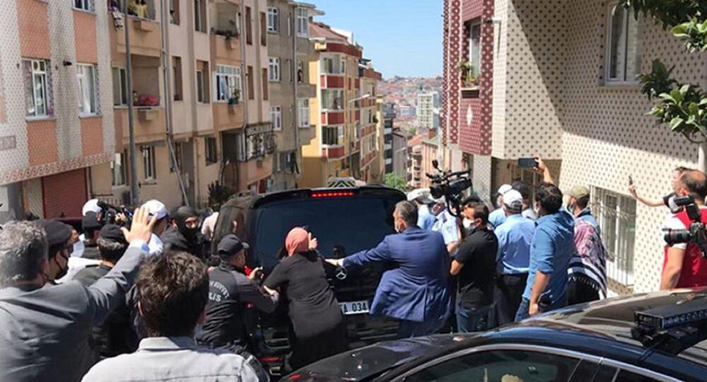 İBB Başkanı İmamoğlu'na protesto