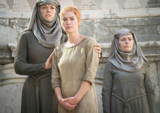 Game of Thrones oyuncusu Waddingham: İşkence sahnesini çekerken 10 saat bağlı kaldım