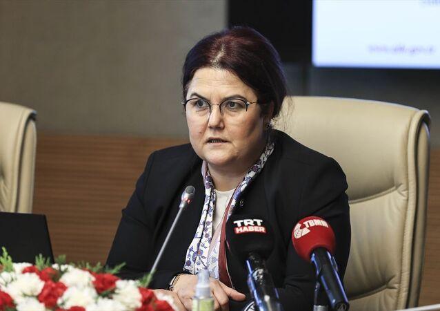 Aile ve Sosyal Hizmetler Bakanı Derya Yanık