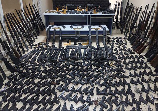 Batman'daki depoda 266 tabanca, 117 tüfek ele geçirildi