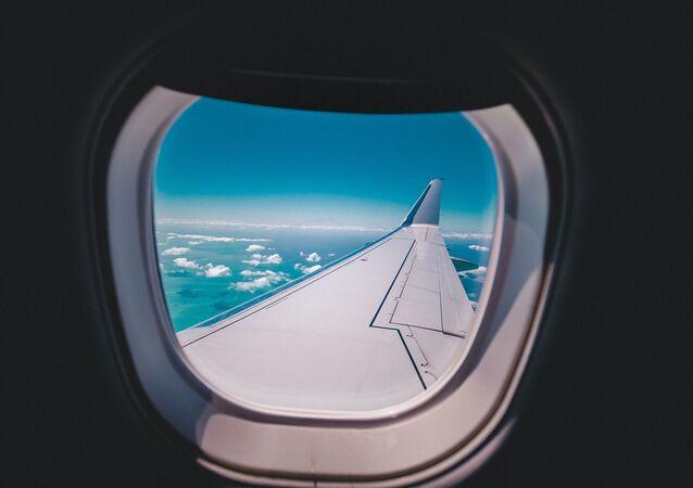 Uçak - uçak penceresi