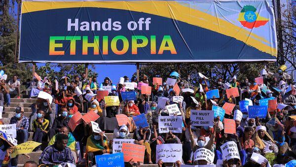 Etiyopya başkenti Addis Ababa'da ABD'yi protesto gösterisi - Sputnik Türkiye