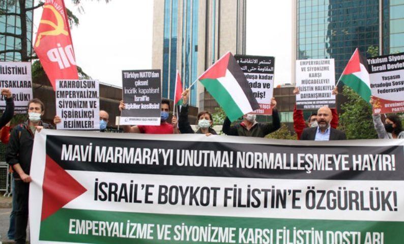 İsrail Başkonsolosluğu önünde Mavi Marmara protestosu
