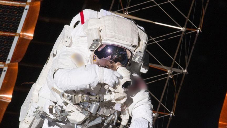 Astronot-uzay