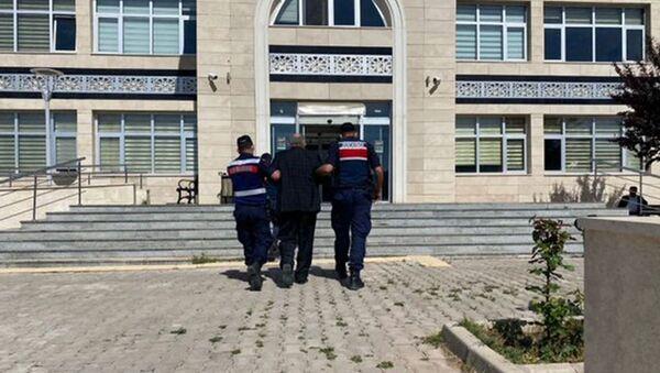 Hakkında 21 yıl hapis cezası bulunan firari noterde yakalandı - Sputnik Türkiye